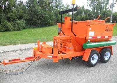 2-ft-hitch-on-Falcon-asphalt-reclaimer-and-recycler-1-984x738