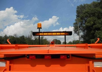 Arrow-stick-LED-mounted-on-Falcon-cold-patch-heating-trailer-3
