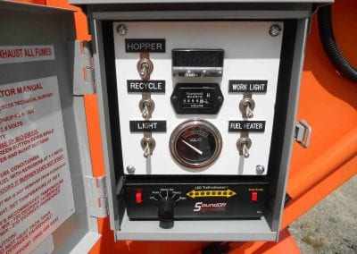 Arrow-stick-LED-mounted-on-Falcon-cold-patch-heating-trailer-7