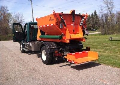 6-ton-hooklift-on-truck-1-1446x1080